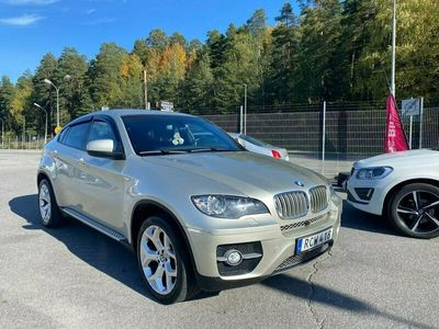 begagnad BMW X6 xDrive40d 306hk AUT 5-sits Drag 13100 mil Nyservad