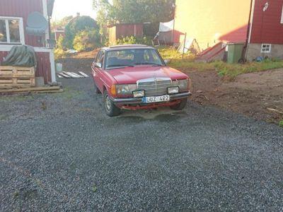 brugt Mercedes 240 W123-84