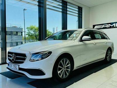begagnad Mercedes E200 - BenzKOMBI NAVI / WIDESCREEN / DRAG / BACKKAMERA