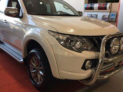 begagnad Mitsubishi L200 Double Cab 2,4D AUT Business Pro