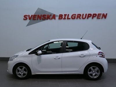 begagnad Peugeot 208 1.4 HDi 5D Ac Bt S+V-hjul