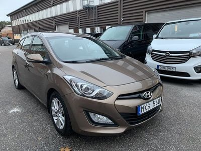 begagnad Hyundai i30 Kombi 1.6 CRDi 110hk Drag Nyservad