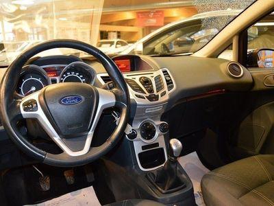 begagnad Ford Fiesta 1,4 TDCi Titanium 5dr *Vinterhjul -11