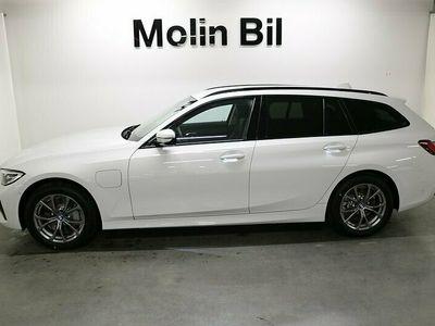 begagnad BMW 330e xDrive Touring PHEV / Model Sport / Dragkrok