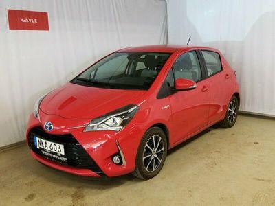 begagnad Toyota Yaris Hybrid 1,5 5dr Touch & Go Edition Vinterhjul Ledljusramp