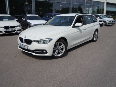 begagnad BMW 320 i xDrive Touring Model Sport, Navigation, Automat