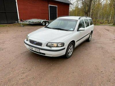begagnad Volvo V70 2.4 CNG Automat 140hk 1185 i skattt