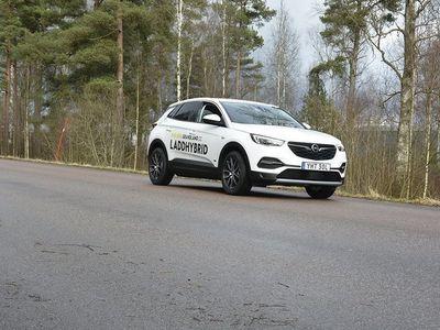 begagnad Opel Grandland X HYBRID Innovation PHEV 300hk AWD *SE INFO*