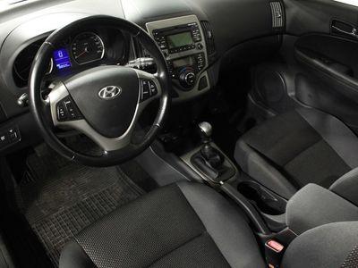 gebraucht Hyundai i30 Kombi 1.6 CRDi M6 Comfort