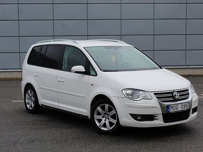 begagnad VW Touran 1.4 TSi DSG R-line 7-sits 1 -09