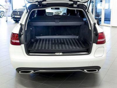 begagnad Mercedes C350e Kombi Aut Glastak Navi Drag