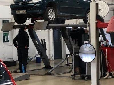 begagnad Peugeot 206 1.4 75HK XR 3D