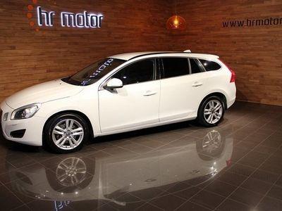 begagnad Volvo V60 D4 AWD Momentum Aut/ 15 mån garanti