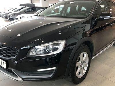 begagnad Volvo V60 CC Momentum - Fina sommar & Vinterdäck på originalfälg