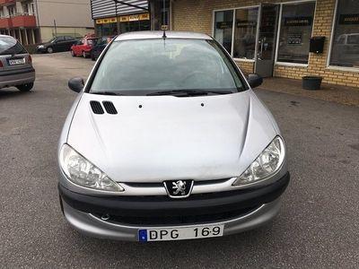 begagnad Peugeot 206 5-dörrar 1.4 TipTronic XR (75hk) Besiktigad, Ny kamrems byte