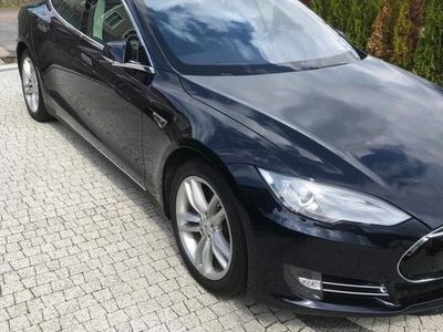 begagnad Tesla Model S P85, fri laddning.