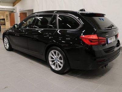 begagnad BMW 320 d xDrive Touring Sportline Sportstolar