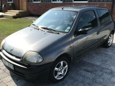 begagnad Renault Clio 99. 6300kr -99