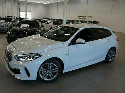 begagnad BMW 118 i 5dr M-Sport Automat HiFi Eluppvärmd Ratt Tonade Rutor
