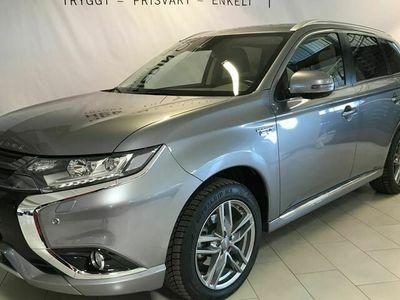 begagnad Mitsubishi Outlander 2.0 PHEV Business 4WD Drag S+V Hjul