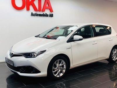 begagnad Toyota Auris Hybrid 1.8 VVT-i 3JM CVT Euro 6 2018, Halvkombi 144 900 kr