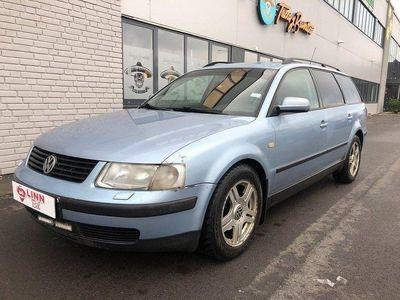 begagnad VW Passat 1,8 125 HK ACC GÅR BRA I MO