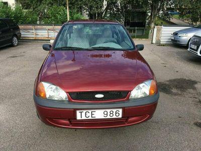 begagnad Ford Fiesta 3-dörrar 1.3 60hk Besiktigad