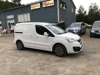 begagnad Peugeot Partner Skåpbil 1.6 HDi Euro 6 Pro+ 100hk