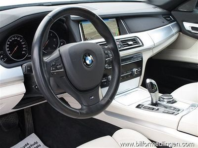 begagnad BMW 730 d X-drive Svensksåld Leasbar Navi Backkamera