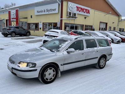 begagnad Volvo V70 2.4 Man 140hk /Drag