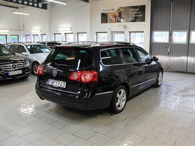 begagnad VW Passat TDI 170 DSG NYSERV/AUTO/SPORT-L/MOTORVÄRMARE