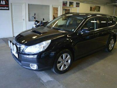 begagnad Subaru Outback 2.0 4WD (150hk) / 2-Ägare / Drag / Nyservad & Besiktad M.M