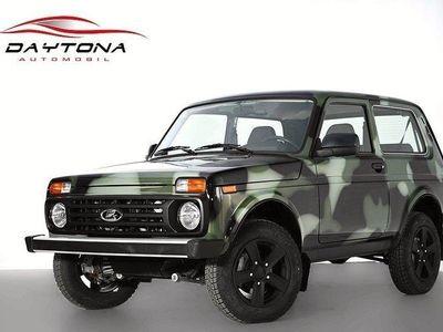 begagnad Lada niva 4X4 Lux JUNGLE EDT 3-door / Fabriks