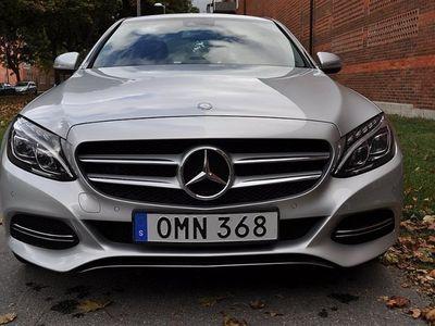 "begagnad Mercedes C220 / NAVI / HEL-SKINN / 19"""
