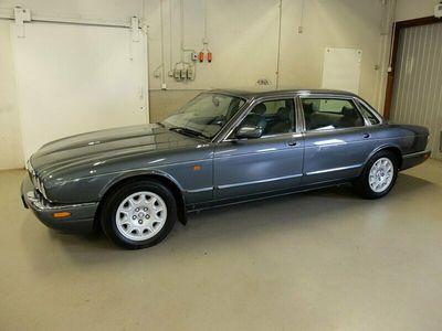begagnad Jaguar XJ 4.0 V8 Aut Sovereign Lång Sv-Såld