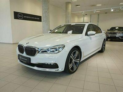 begagnad BMW 750 750 d xDrive MASSAGE PANORMA HARMAN KARDON