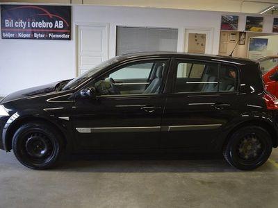 begagnad Renault Mégane 5-dörrar 1.6 (112hk) / Låga Mil / M-Värmare / Nyservad &