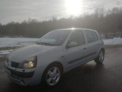 usata Renault Clio 1.6 Besiktad och Skattad -02