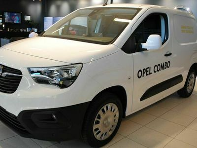 begagnad Opel Combo Business D100 Skåp L1 inkl Drag & Värmare