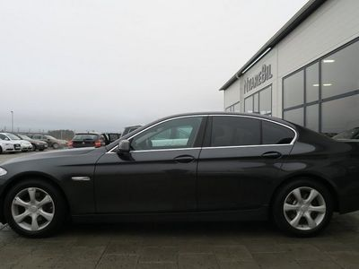 begagnad BMW 523 I F10 204HK Xenon Pdc Vinterhjul Seda -10