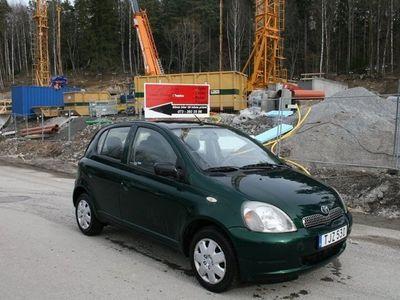 begagnad Toyota Yaris 1,3 Ny besiktad ny servad