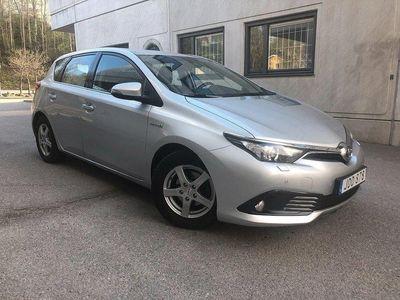 begagnad Toyota Auris 5-D Hybrid 1.8 HSD Active Momsbi