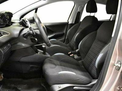 begagnad Peugeot 208 5-dörrar 1.6 e-HDi EGS