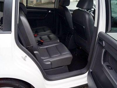 begagnad VW Touran 1.6 tdi bluemotion -12