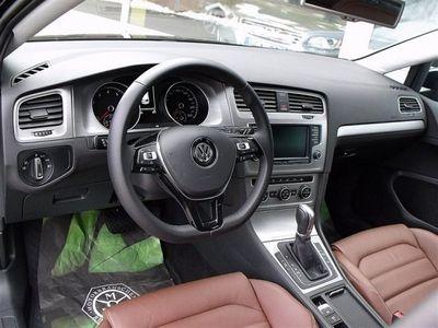 begagnad VW Golf TGI 110 DSG -16