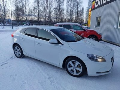 begagnad Volvo V40 D4 Momentum Business Edition