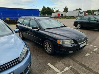 begagnad Volvo V70 2.4 / 170HK/ Automat / Kinetic / Dragkrok