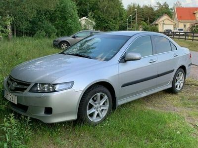begagnad Honda Accord SEDAN