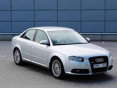 begagnad Audi A4 Sedan 2.0 TDi Quattro S-Line 170hk Fint skick