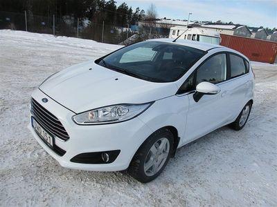 begagnad Ford Fiesta 1,0T Titanium 100 hk 1340 mil Automat